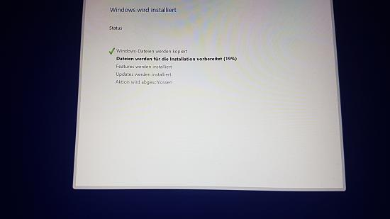 23253d1542379932t-probleme-windows-installation-usb-stick-20181116_154754.jpg